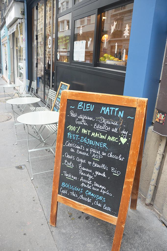 Terrasse du café Bleu Matin à Montmartre