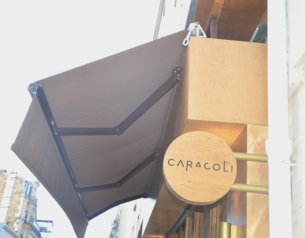 Devanture de Caracoli, une des adresses gourmandes à Montmartre