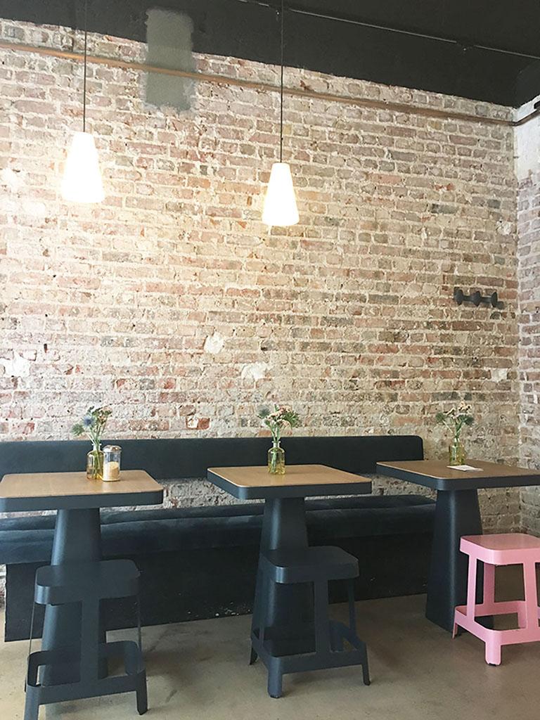 Intérieur de Mignon Café à Montmartre