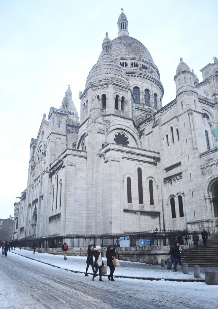 Flâner à Montmartre : parvis du Sacré-cœur