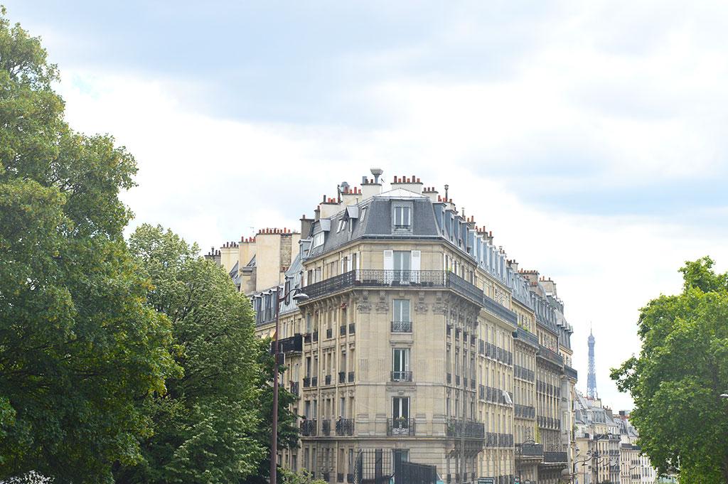 Place de Clichy et Tour Eiffel
