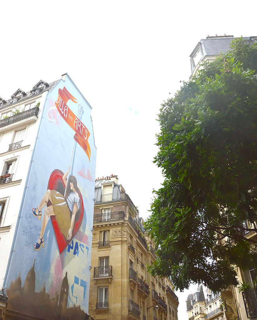 rue Hégésippe Moreau, fresque l'attrape-cœurs