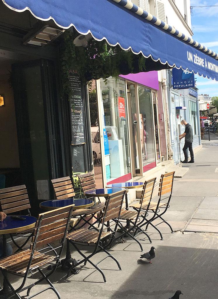 terrasse de restaurants à Montmartre, Un zèbre à Montmartre