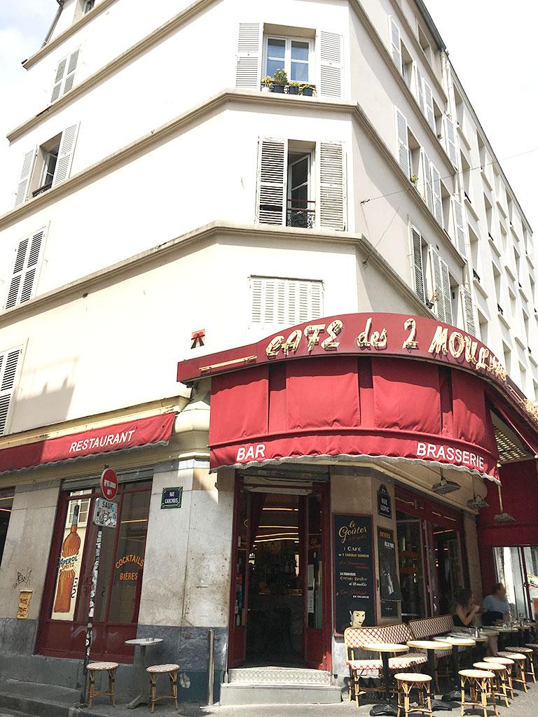 terrasse de restaurants à Montmartre, Le Café des 2 Moulins