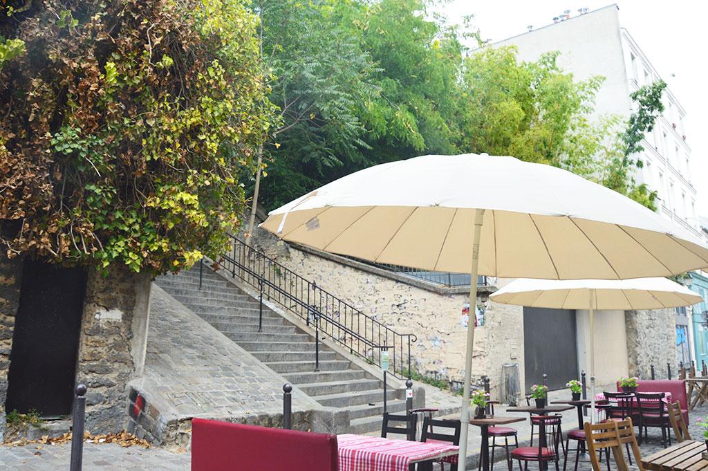terrasse de restaurants à Montmartre, L'artiste
