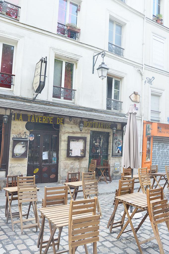 terrasse de restaurants à Montmartre, La Taverne