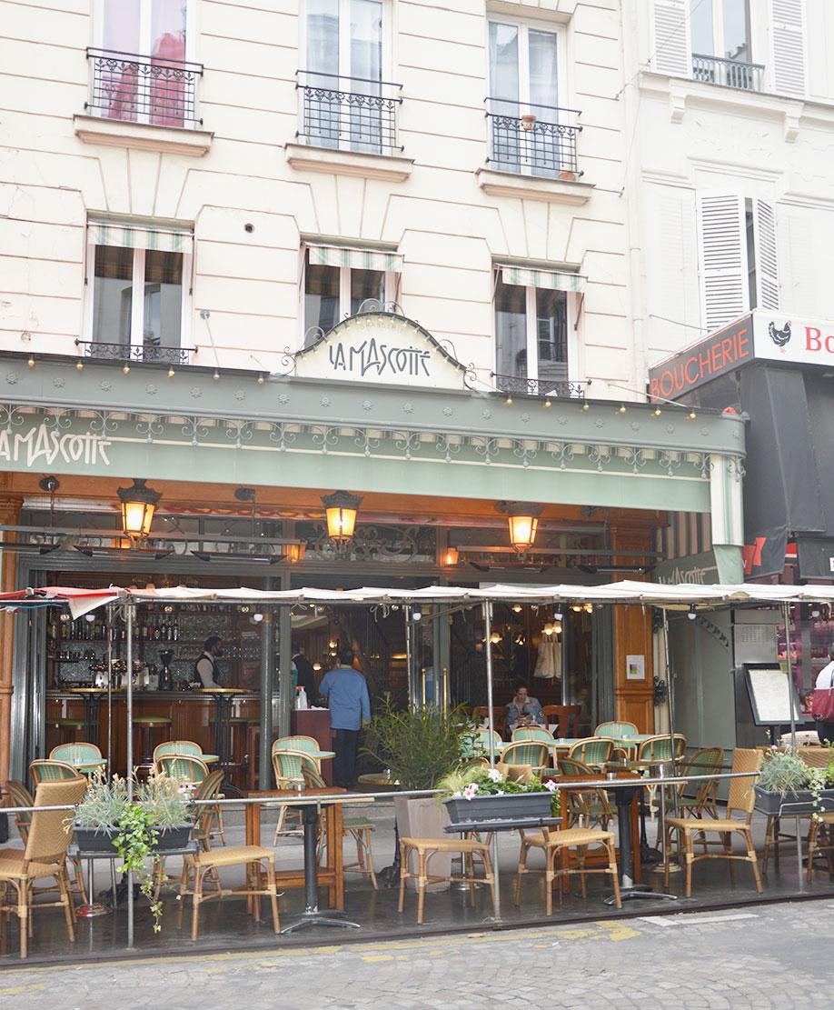 terrasse de restaurants à Montmartre, La Mascotte